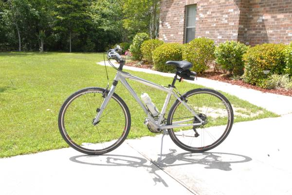 Trek Hybrid Bike 7700 - $450 (Covington)