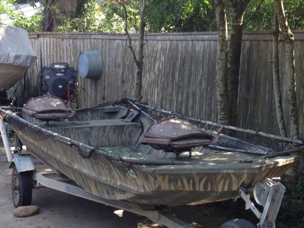 15 ft Flat with 27 HP Surface Drive Mud Buddy Pop-up Blind - $5300 (New Orleans)