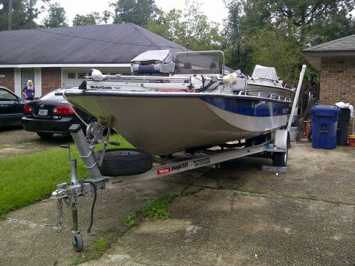 1998  19.5 ft Predator Bay Boat  - $7500 (1454 Broadmore Dr , Slidell , Louisiana )