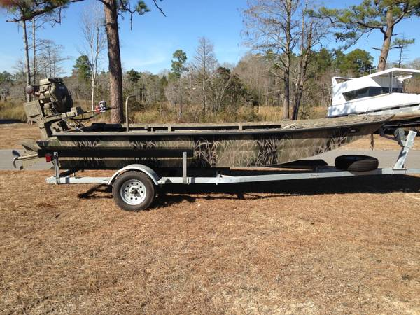 17x48 Uncle J boat w 35 Gator Tail motor - x002412500 (Vancleave, MS)