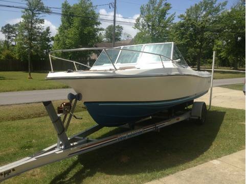 1985 wellcraft V-20 4200OBO cash - $4200 (Ocean springs ms)