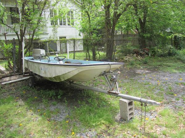 For Sale 15 Boston Whaler w trailer and Johnson Seahorse 50 Engine - $950
