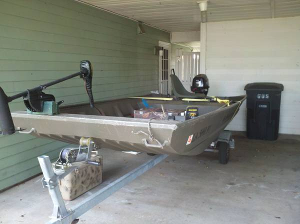 12 2011 1248F w8hp Outboard and 7hp Mudmotor - $3000 (WestbankAlgiers)