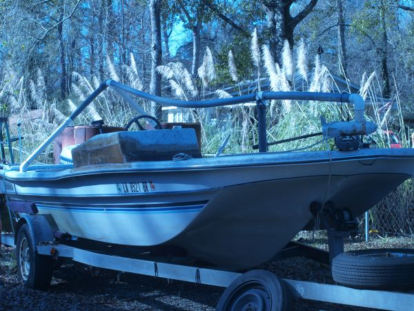 87 critchfield 21 foot shrimp boat - $4500 (WALKER)