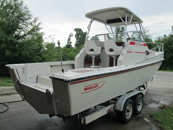 WHY BUY A 15 BOSTON WHALER WHEN YOU CAN HAVE A 25 - $5900 (BAY ST LOUIS)
