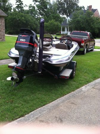 Triton Bass Boat for trade for a bay boat - $15000 (Baton Rouge)