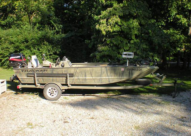 $2,495, 2003 Tracker 1654SC Grizzly Duck-Fishing Boat