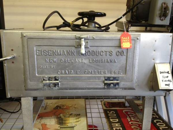 Commercal snowball machine - $850 (Picayune, ms)