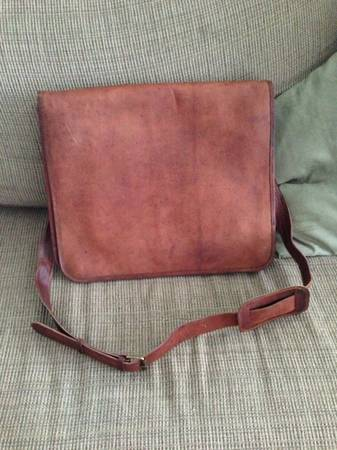 Brad newnever used Genuine leather laptop bag (Lakeview )