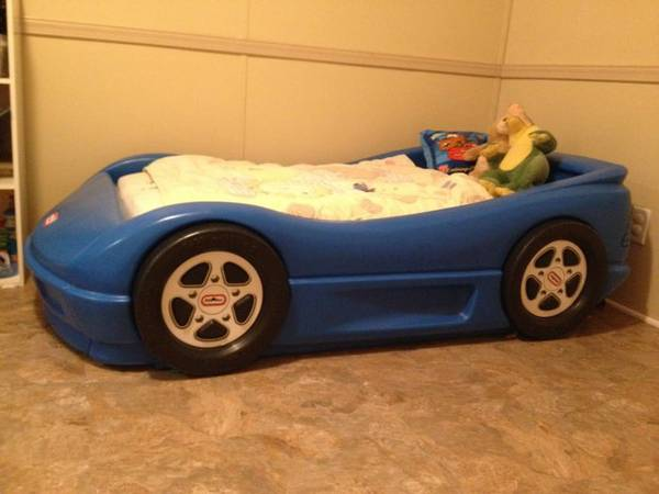 $130--REDUCED--toddler blue car bed--little tikes - $130 (Covington)
