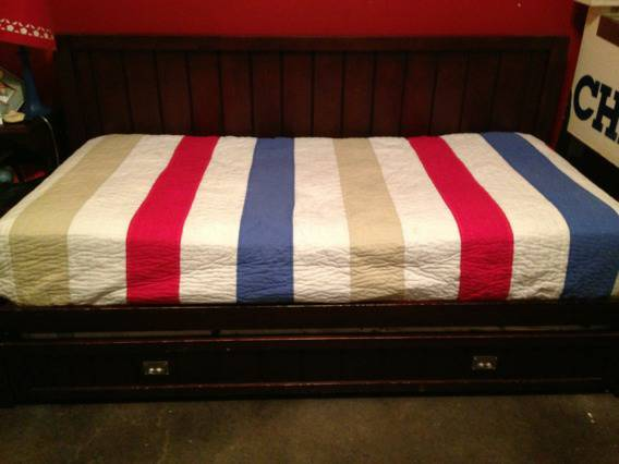 Pottery barn trundle bed - $300 (Madisonville )