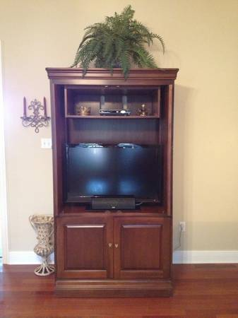 Beautiful Cherry Wood TV Armoire (Lane -brand name) - $400 (Mandeville, LA)