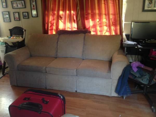 LA-Z-BOY COUCH-trade or sell - $75 (slidell, la)