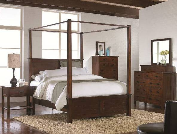 All Wood Queen Size Canopy Bed Set - $1199 (Metairie-NECESSITY FURNITURE WAREHOUSE)
