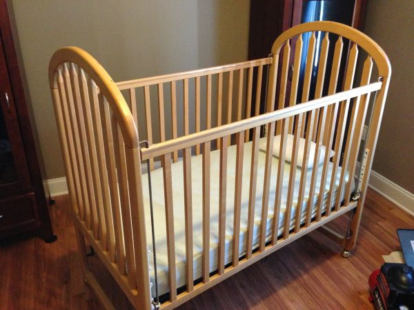 OAK BABY BED - $100 (ARABI)