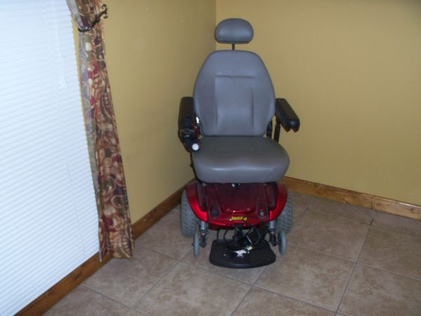 Jazzy Select Power Chair - $1200 (Violet,La.)