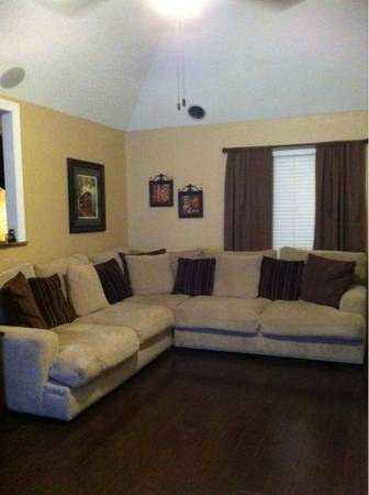 Cindy Crawford sectional sofa - $1100 (Marrero)