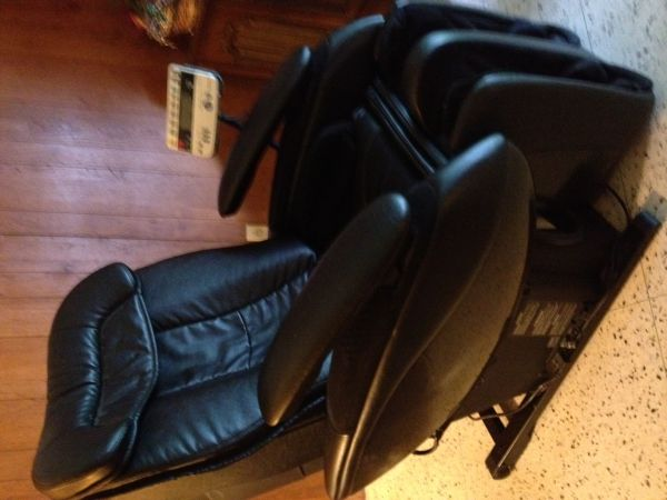 PANASONIC Real Pro Elite Massage Lounger EP 3513 - Massage Chair - $2995 (Metairie)