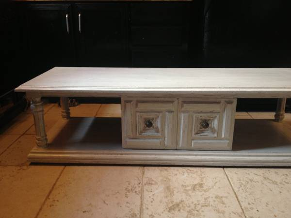 Distressed Coffee table tv stand - $100 (Hammond)