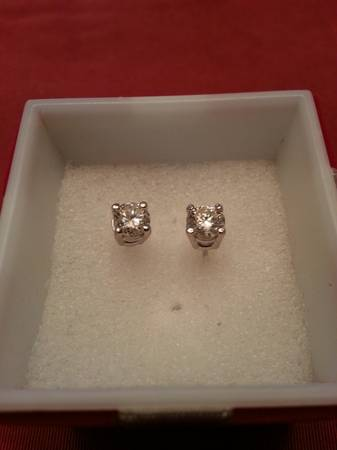 one carat diamond earrings -   x0024 1450