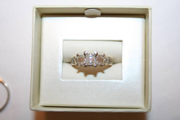 Three Stone Diamond Wedding Ring  -   x0024 3300  Chalmette