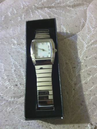 Quartz Avon Watch -   x0024 20  Westbank