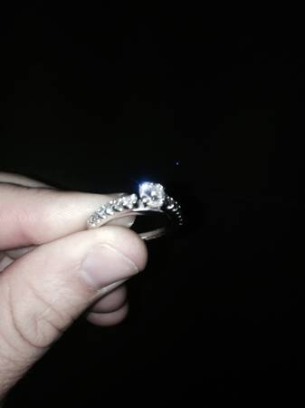 THE PERFECT ENGAGEMENT RING -   x0024 2700  Metairie
