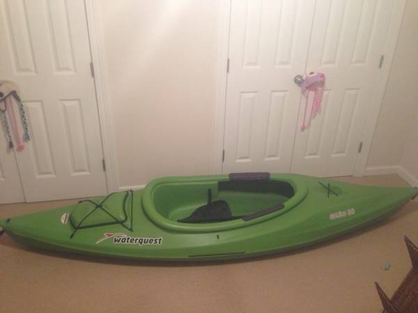 Sun Dolphin Aruba 10 Sit In Kayak With Bonus Paddle - $250 (New Orleans - Lakeview)