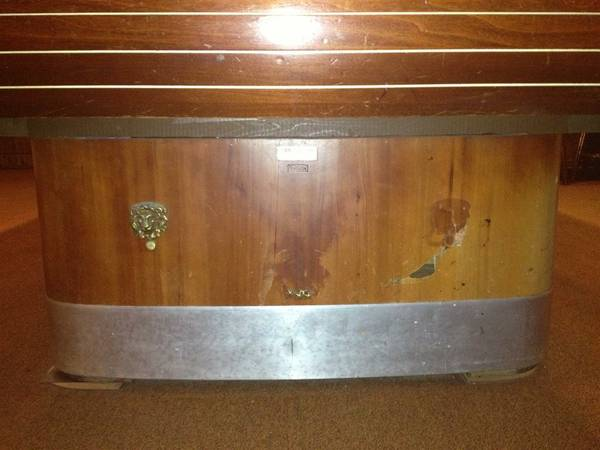 Brunswick pool table - $600 (new orleans )
