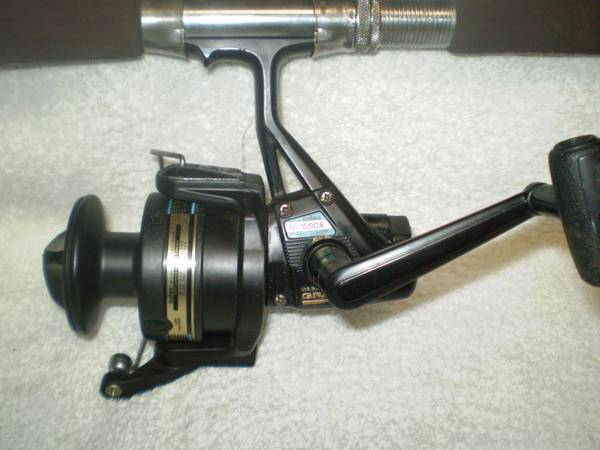 DAIWA GRAPHITE SPINNING REEL 7 EAGLE CLAW FIBERGLASS ROD - $25 (KENNER)