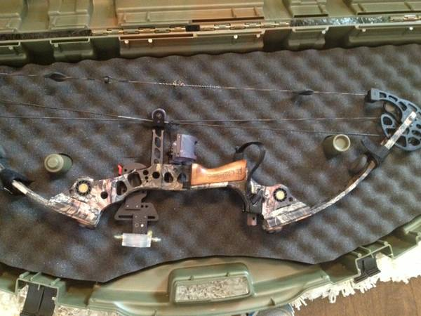 MATHEWS MUSTANG RH BOW - all set up - x0024475 (Ponchatoula, LA)