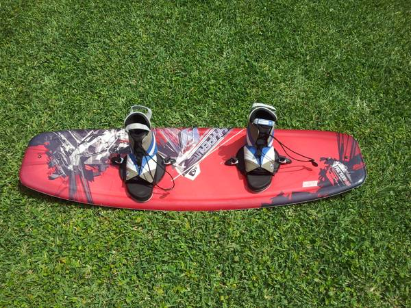 HYPERLITE FACTOR 140 WAKEBOARD - RED WSTD BINDINGS - $120 (Gretna)
