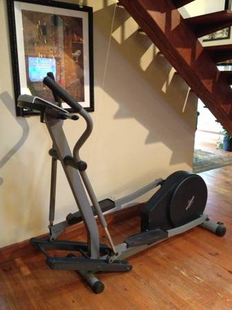 NordicTrack VGR 910 Elliptical - $175 (Bush, Louisiana)