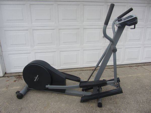 NordicTrack VGR 910 Elliptical Trainer - $275 (Slidell)