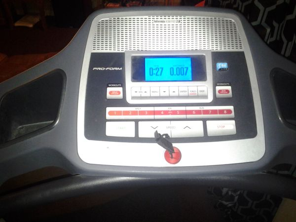 treadmill proform like new - $150 (harvey )