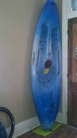 Jazz Mainstream Kayak w paddle - $150 (Mid-city)