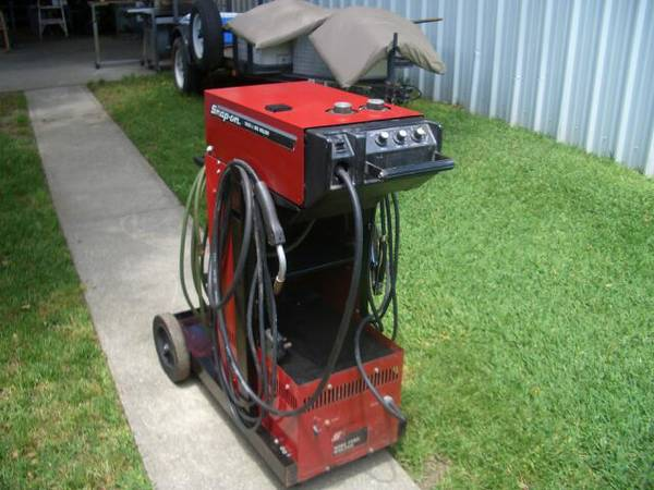 Mig Welder (SNAP-ON YA205 A - $800 (Kenner)