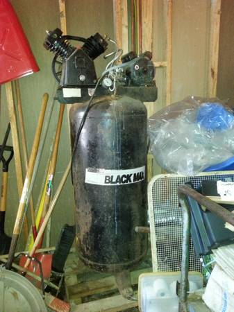 Black Max air compressor - $350 (Slidell)