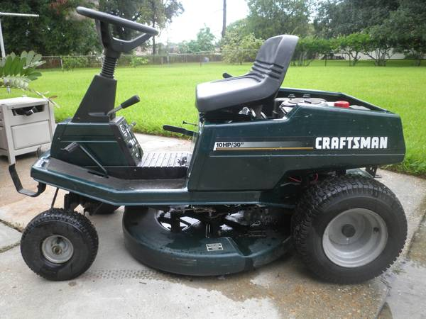 Craftsman riding lawnmower needs work, includes 2 attachments - $250 (Algiers)