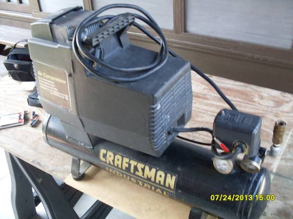 Sears Craftsman Permanently Lubricated Air Compressor. $ 75.00 (West Bank Westwego, La.)