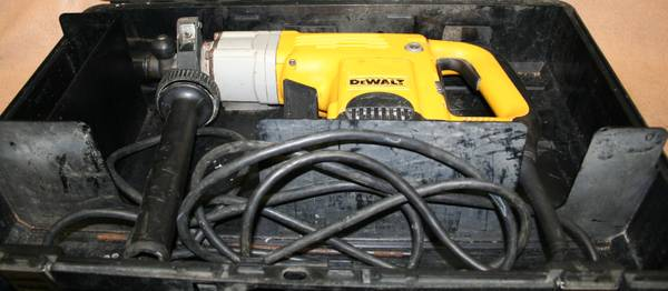 USED - DeWALT D25550 HAMMER DRILL IN CASE - $150 (PICAYUNE, MS 39466)