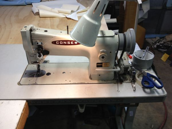 INDUSTRIAL SEWING MACHINE CONSEW 206RB-5 - $600 (Chalmette)