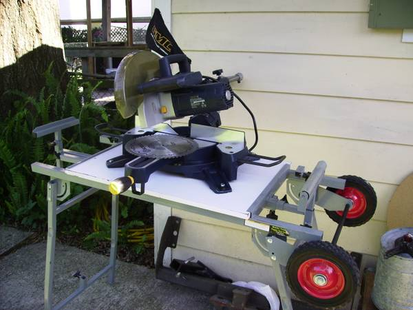 GMC 15A Slide Miter Compound Saw on Table, Like New - $150 (Old Metairie)