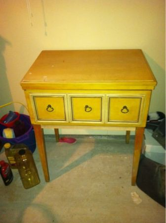 Kenmore 52 zig zag sewing machine table - $65 (Covington )