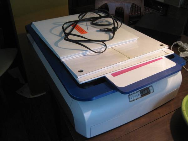 Yudu Screen Printing Machine wAccessories - $125 (Metairie)