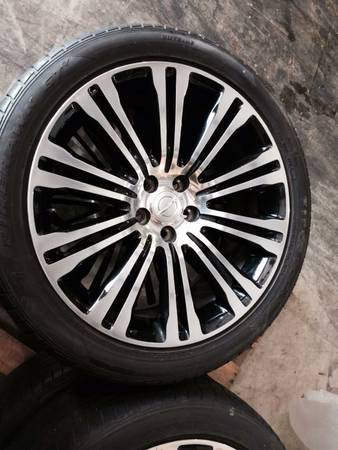 20 inch rims and tires...Chrysler 300 S - $1100 (kenner)