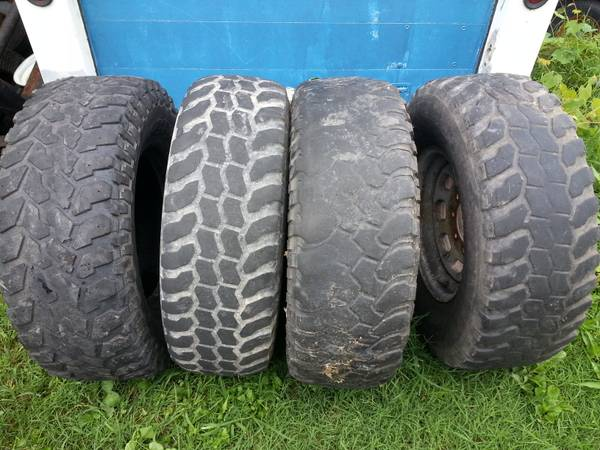 285 75 16 rims and tires - $100 (westbank)