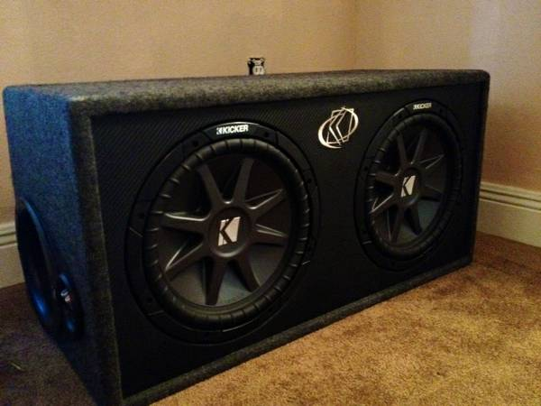 2 12 Kicker Comp VR with Box - $240 (Metairie, La)