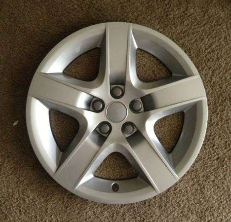 17 OEM Wheel Covers Hubcaps Rims Chevy Malibu Pontiac G6 Saturn Aura - $80 (Metairie, LA)