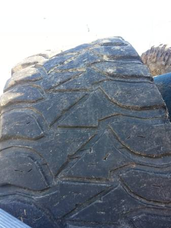mud tires. 331612.5 mickey thompson mtz - $250 (slidell)